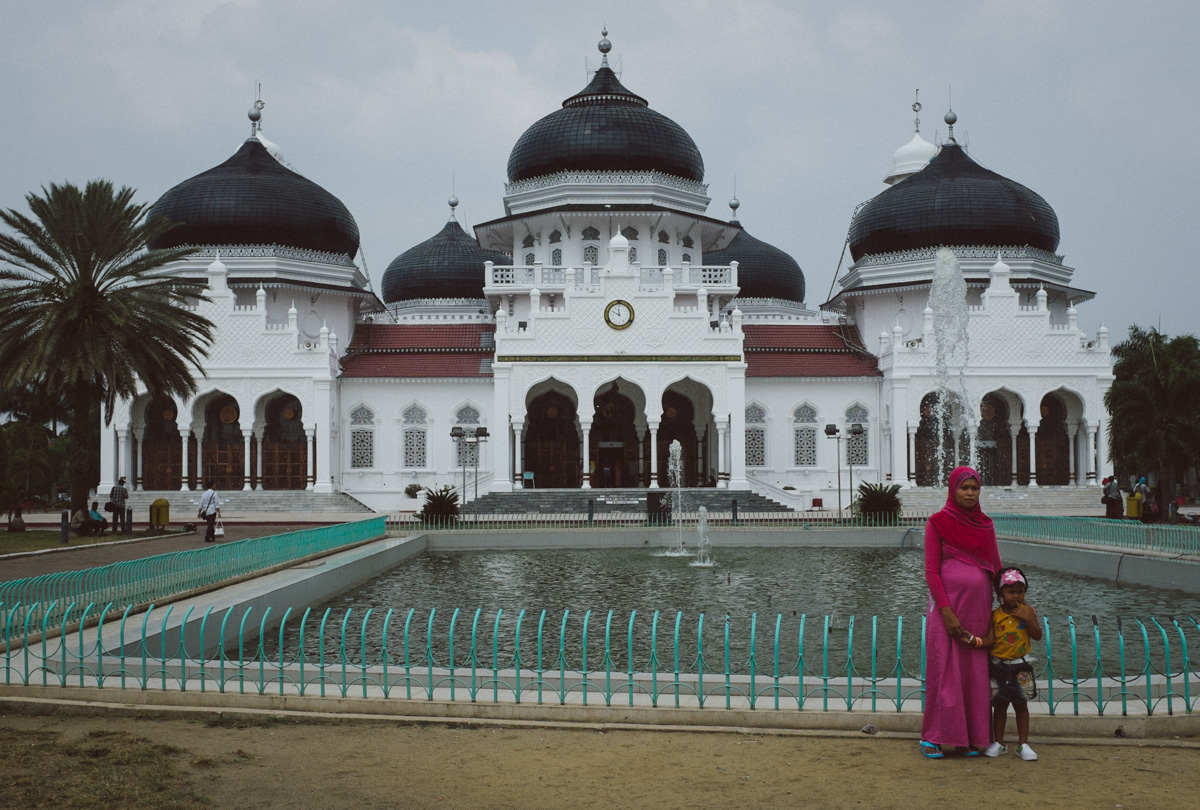 Woman in front of Grand Mosque