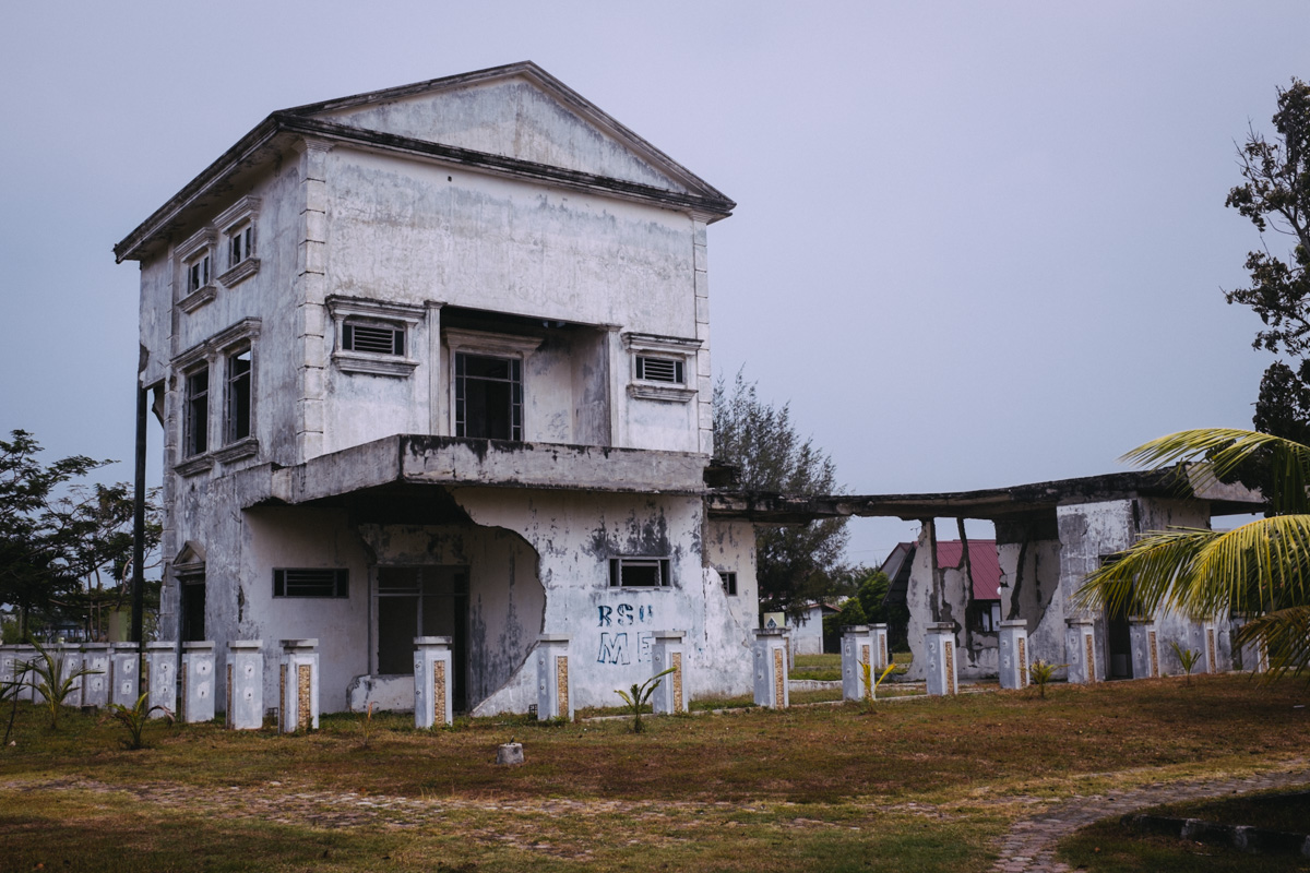 Hospital destroyed by tsunami, now a mass grave...